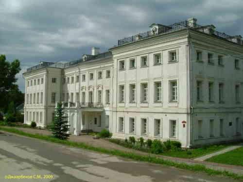 Полотняный завод. Главное здание