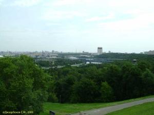 Вид со смотровой площадки Воробьевых гор (Москва)