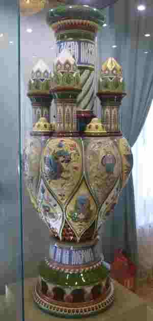 """Башня-светильник """"Сион"""", 1880-1890-е гг., фабрика М.С. Кузнецова. Тверская областная картинная галерея (Тверь)"""