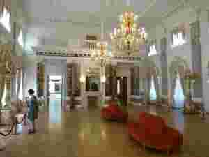 Белый зал. Тверская областная картинная галерея (Тверь)
