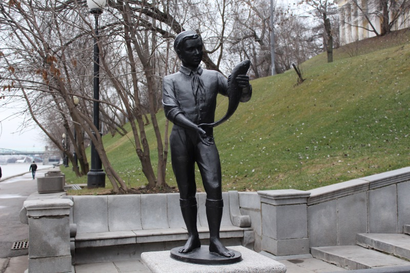 Москва, Нескучный сад. Фонтан «Купальщица»