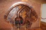 Барселона. Дом Бальо. Камин в углублении в форме гриба