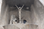 Барселона. Саграда Фамилия, Sagrada Família. Скульптура, изображающая распятие Иисуса Христа