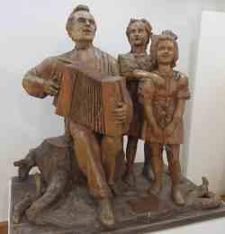 Песня о родине. 1954 г. Дерево. Музей скульптуры С.Т. Коненкова (Смоленск)