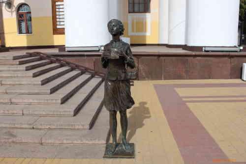 Калуга. Памятник театральному зрителю