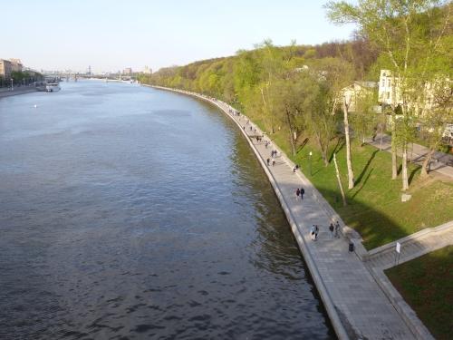 Москва, Пушкинская набережная