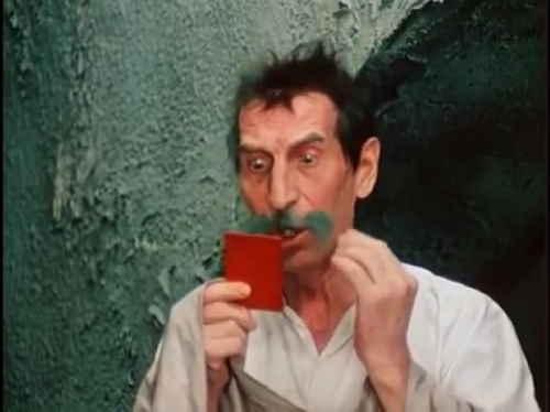 Киса Воробьянинов (актер Сергей Филиппов), кадр из фильма Двенадцать стульев (1971 г.), режиссер Леонид Гайдай