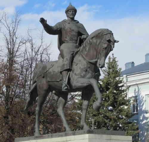 Памятник князю Михаилу Тверскому (Тверь)