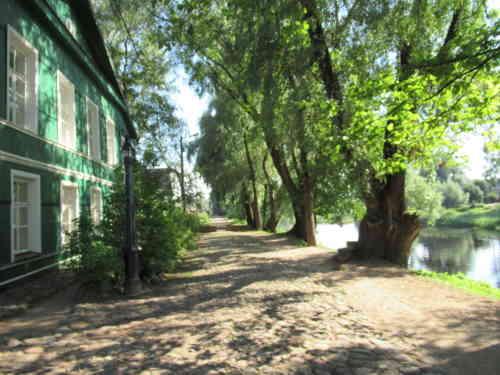 Набережная Достоевского (Старая Русса)