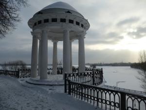 Ярославль. Беседка на Которосльной набережной