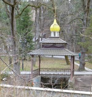 Кисловодск. Национальный парк «Кисловодский». Свято-Никольский источник