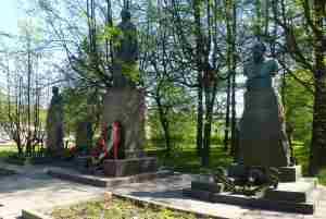 Захоронение Ульяновых. Литераторские мостки. (Санкт-Петербург)