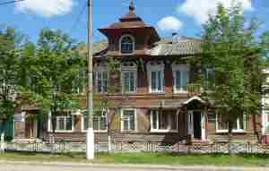 Жилой дом Трусова с магазином. Бежецк