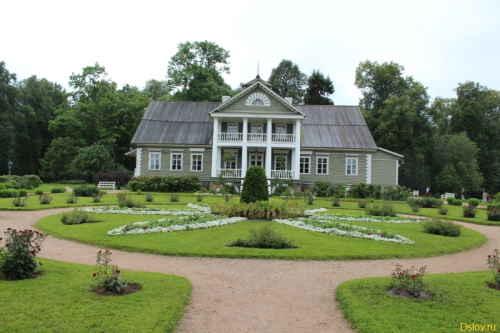 Музей-усадьба «Петровское». Главный дом