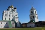 Псков. Псковский кремль. Собор Святой Троицы с колокольней