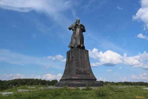 Наумово. Псковская область. Памятник Мусоргскому М.П.
