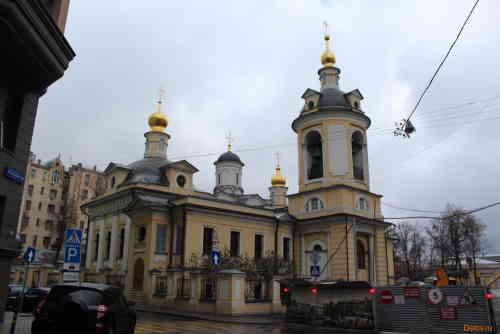 Москва, Церковь Священномученика Антипы, епископа Пергамского, на Колымажном дворе