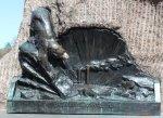 Кронштадт. Памятник адмиралу С.О. Макарову. Ермак в полярных льдах