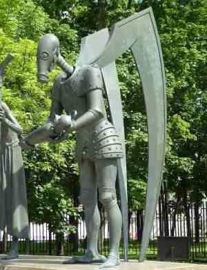 Война. Дети — жертвы пороков взрослых, Скульптурная композиция М. М. Шемякина (Москва)